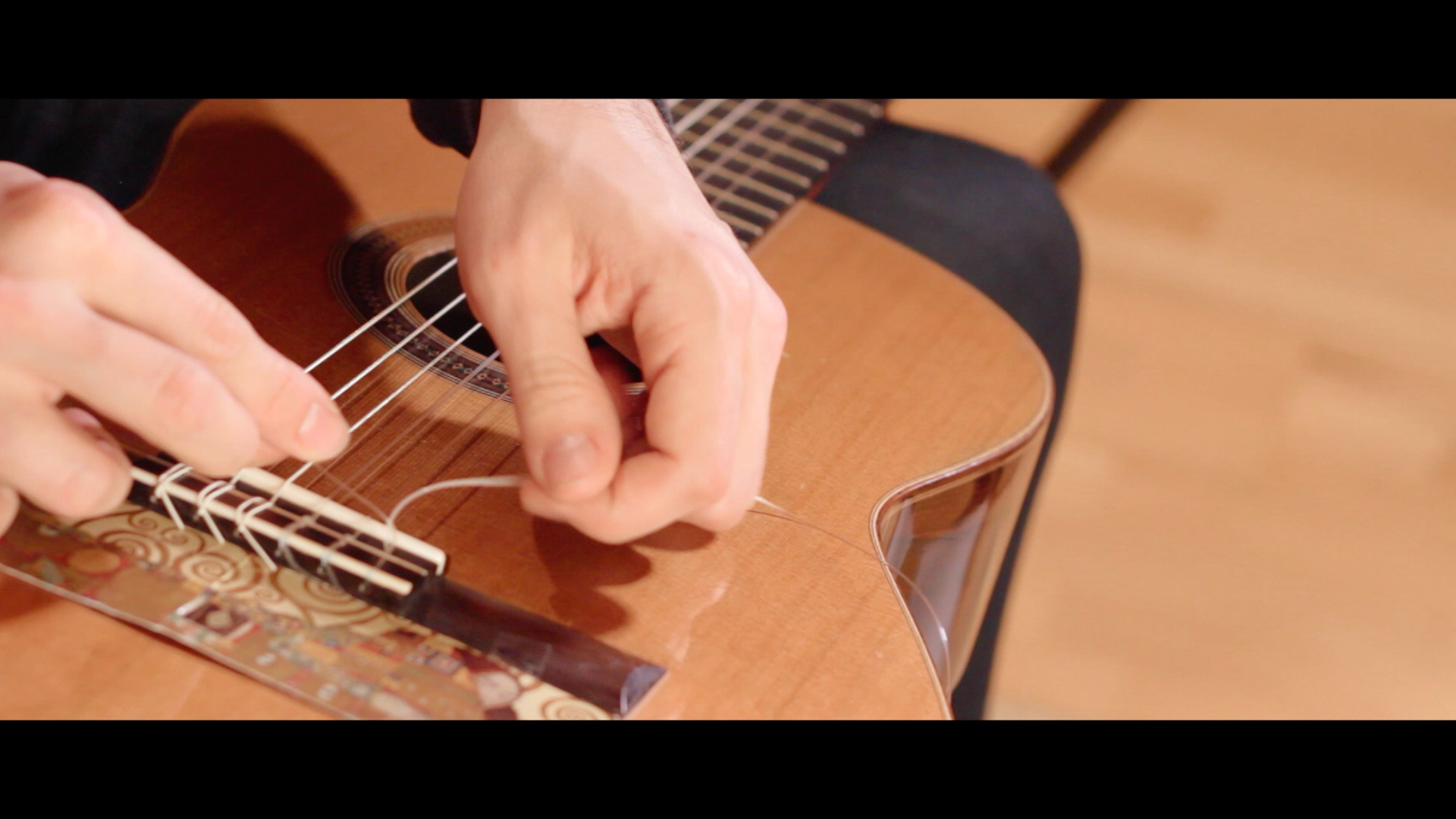Changing Strings On Classical Guitar – ep5